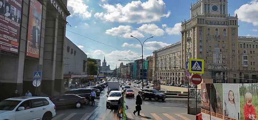 Станция метро Маяковская. Выходите в сторону Триумфальной площади, к улицам Тверская, Большая Садовая и Садовая-Триумфальная.